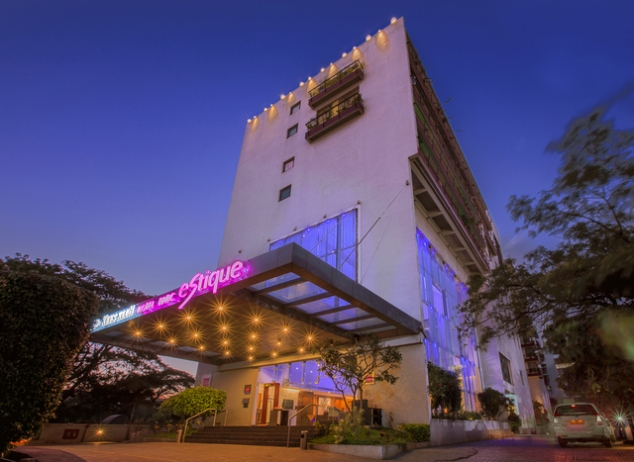 Keys Klub Hotel Parc Estique Pune