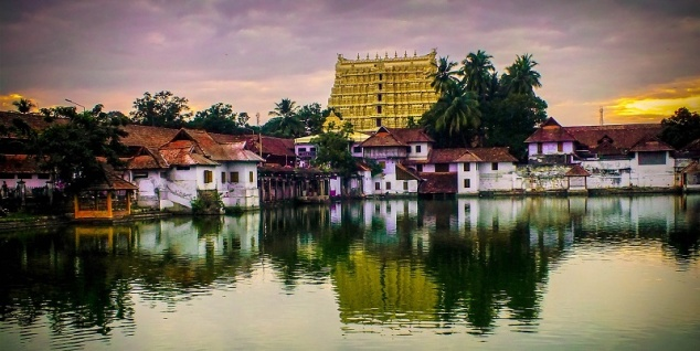 view-of-padmanabhaswamy-temple
