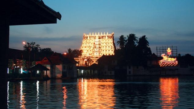 view-of-sree_padmanabhaswamy_temple